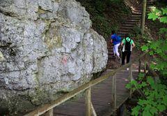 Wanderweg zu den Inzighofer Grotten