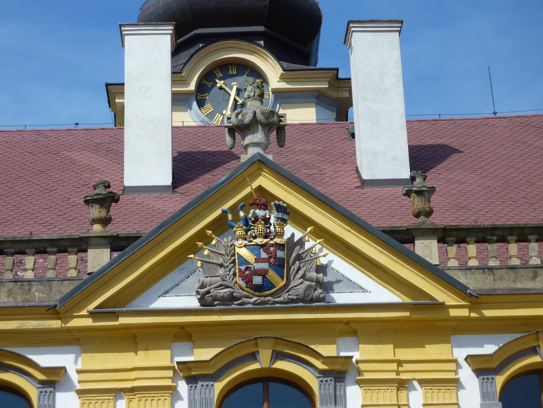 Wappen Adelsfamilie Thun am Schloss Tetschen.