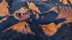 WARME LICHTSPIELE am Fuße der Marmolada