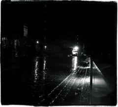 Warmgetanzt im Regen stehen