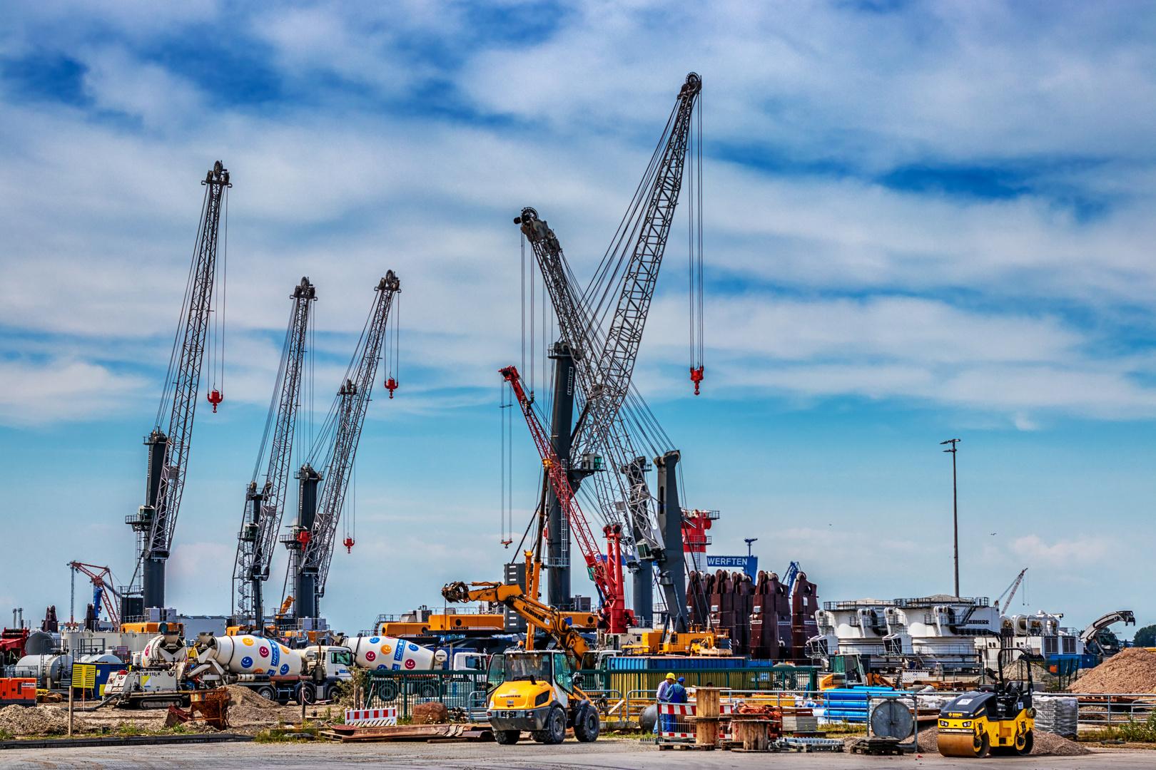 Warnemünde - Hafen Liebherr Hafenkräne