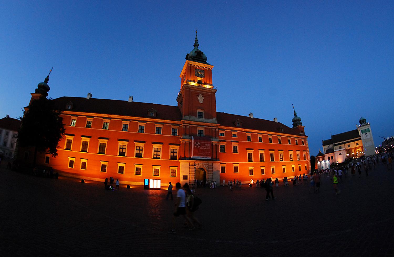 Warsaw Castle by night