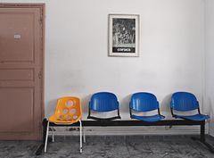 Wartehalle im Bahnhof von Ile-Rousse