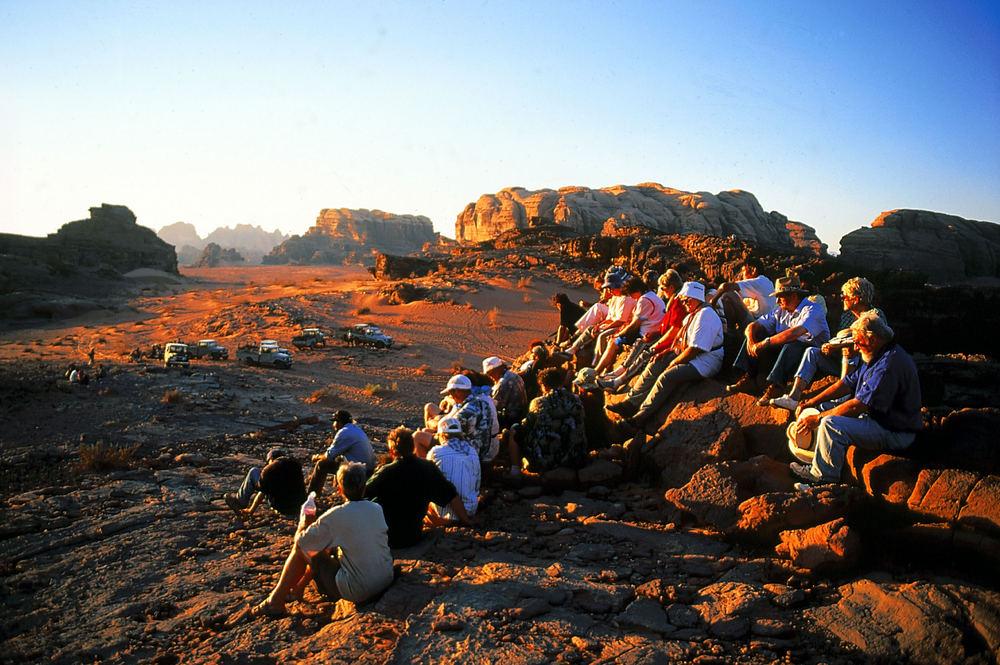 Warten auf den Sonnenuntergang im Wadi Rum