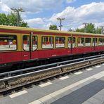 Warten auf die S-Bahn ori