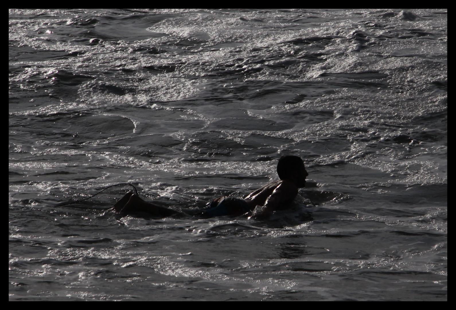 ...warten auf die Welle ...