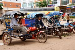 warten auf kundschaft VII, laos 2010