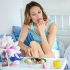 .Warum sollte man die Marmelade vom Brot essen, wenn sie vom Finger am Besten schmeckt.