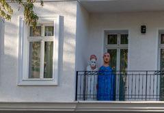 Was in Berlin so alles auf den Balkonen  steht