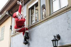 was machst du denn noch hier, du Weihnachtsmann?