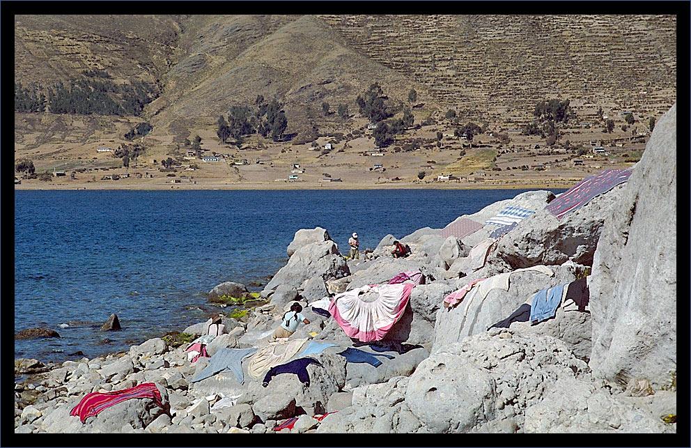 Waschtag am Titicacasee