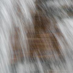 Wasser im freien Fall (1)