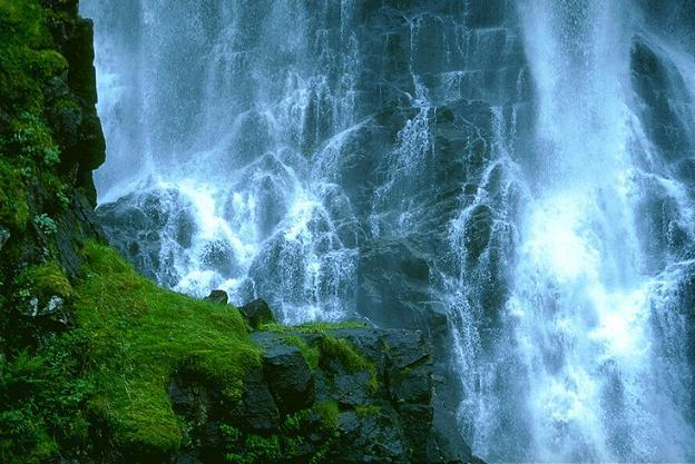 Wasser und Fels