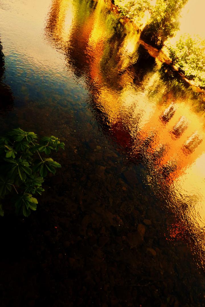 Wasserbilder oder Farben im Wasser