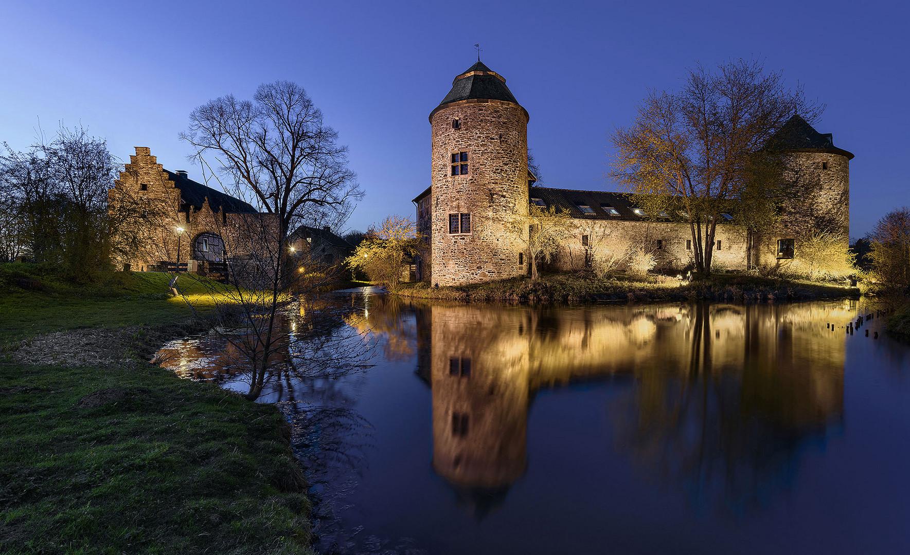 Wasserburg Ratingen Haus zum Haus II Foto & Bild
