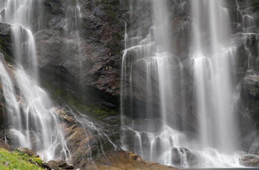 Wasserfälle am Strassenrand