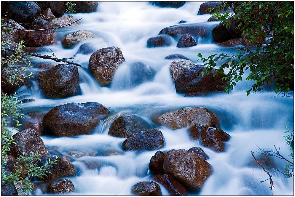 Wasserfall am Medicine Lake