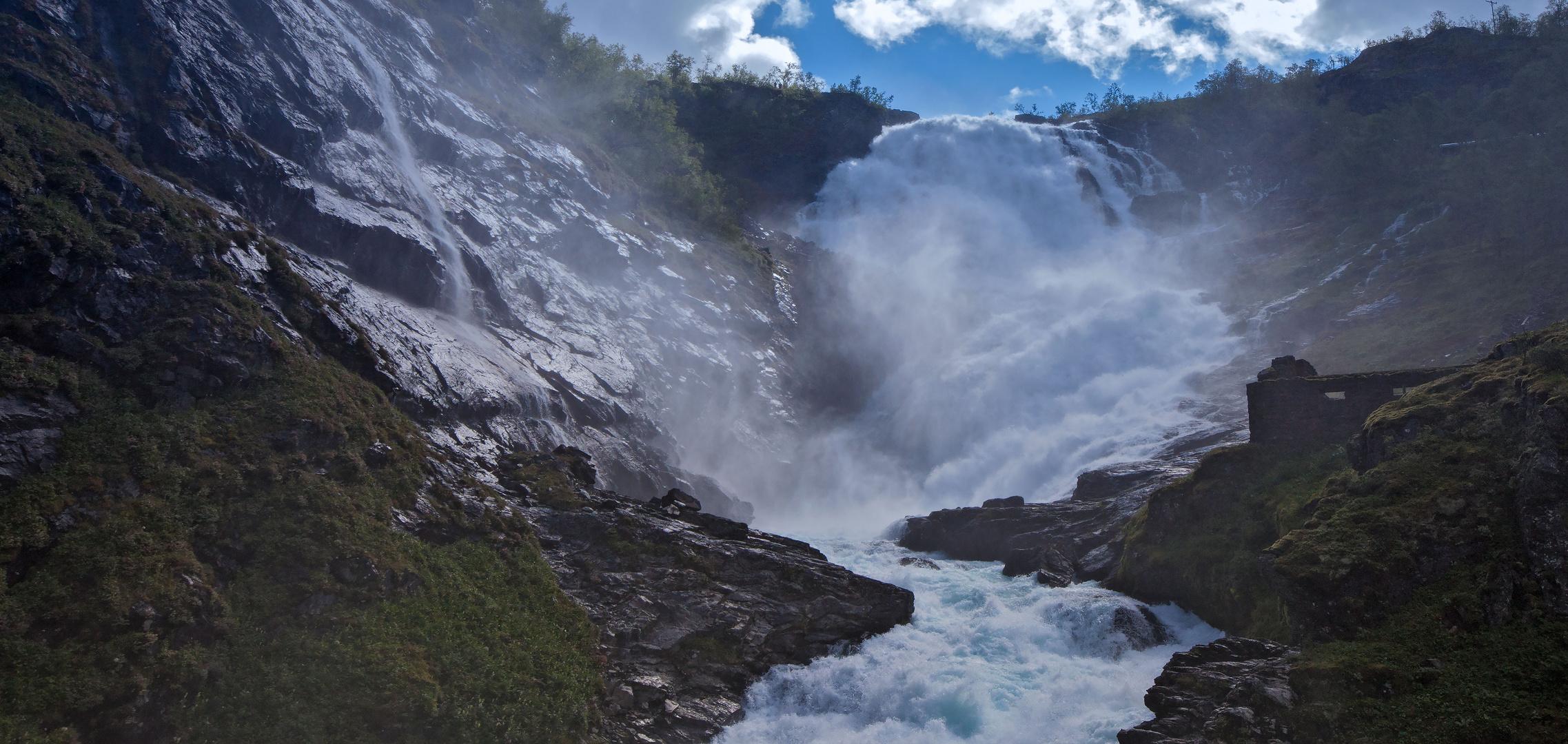 Wasserfall an der Flambahn