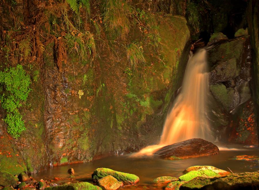 Wasserfall bei Nacht2