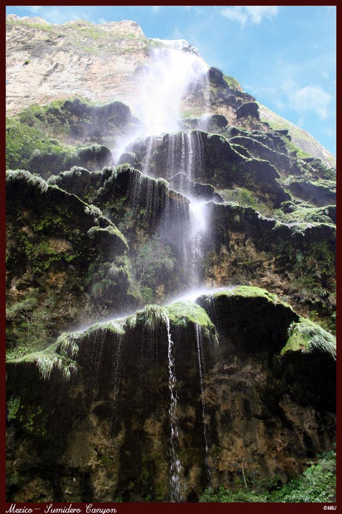 Wasserfall im märchenland