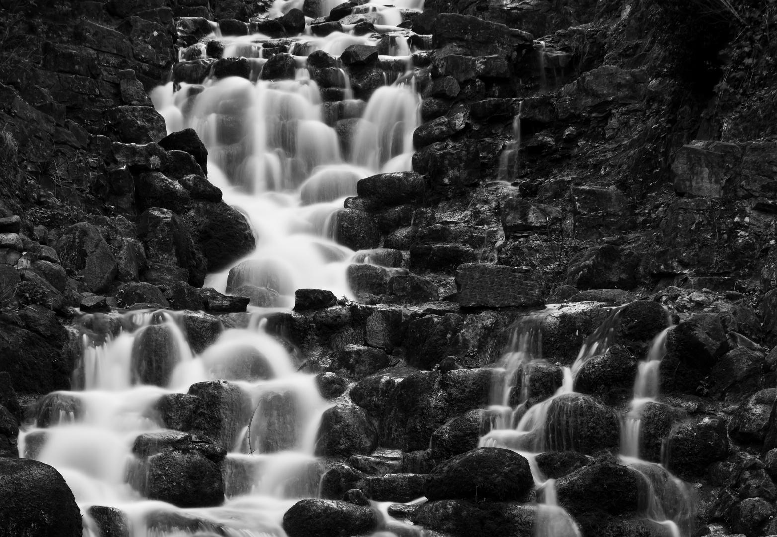 Wasserfall im Victoria Park Berlin