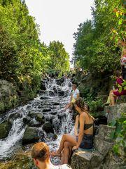 Wasserfall im Viktoriapark