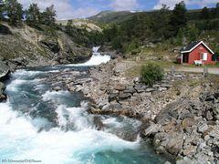 Wasserfall in der Nähe von Tora bru