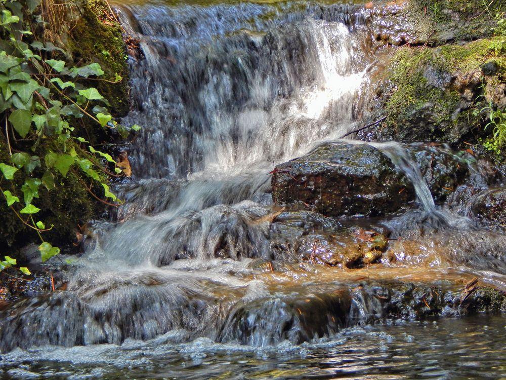 Wasserfall mit Kaskade