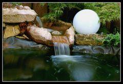 Wasserlauf an einem Teich