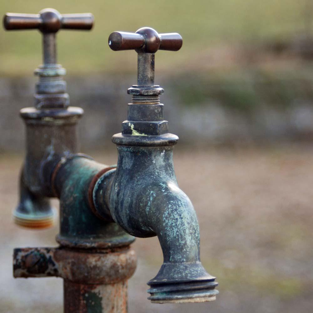 Wasserleitung Foto & Bild | marodes, specials, verschiedenes Bilder ...