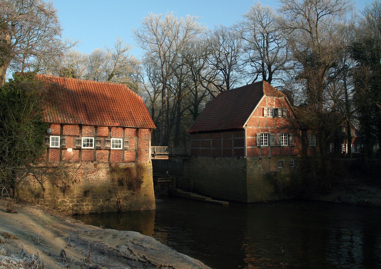 - Wassermühle im Dezember -