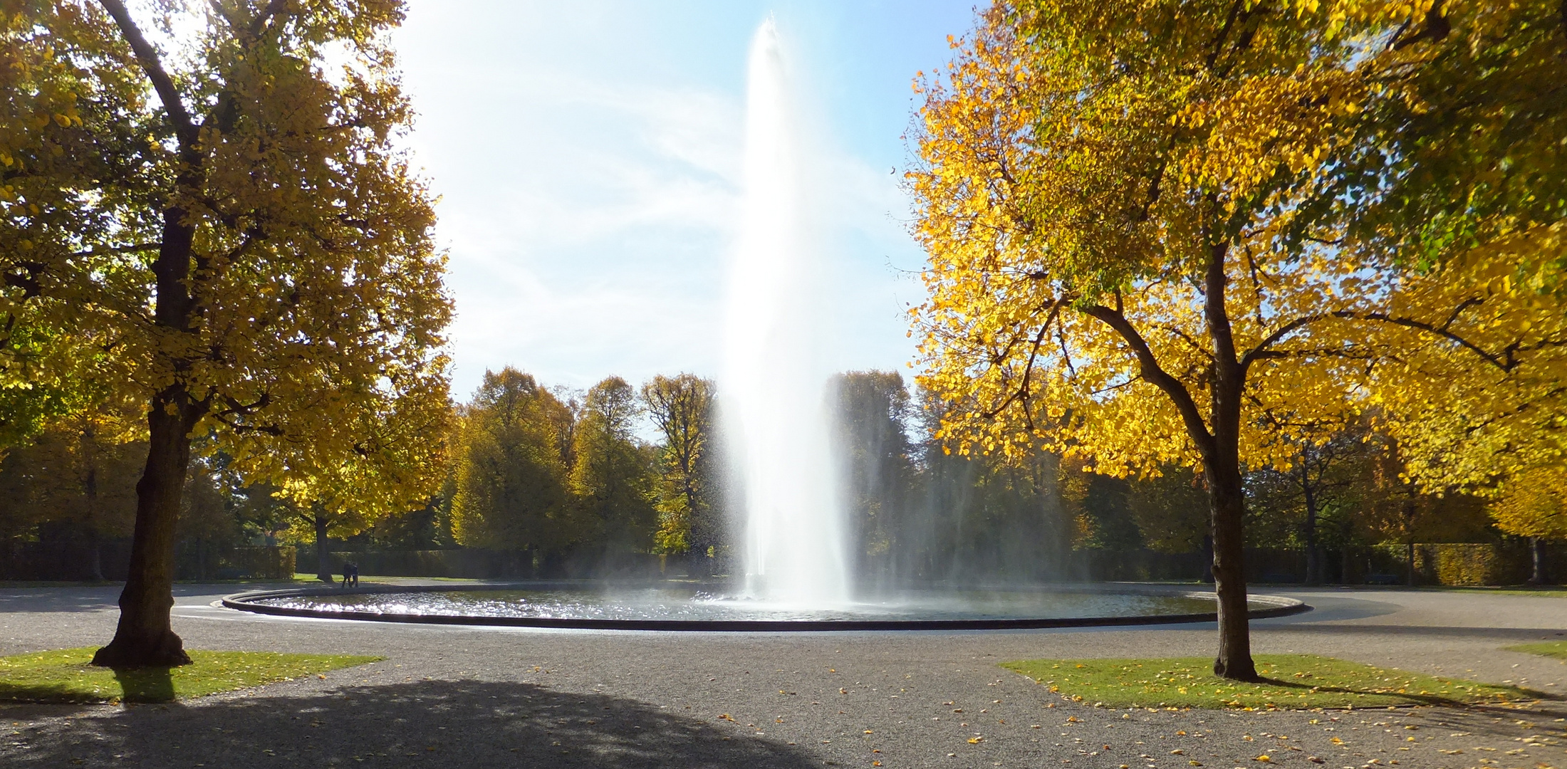 Wasserspiele im Herbst