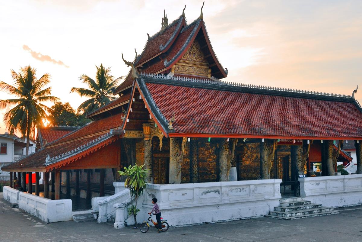 Wat Mai Suwannaphumaham in Luang Prabang