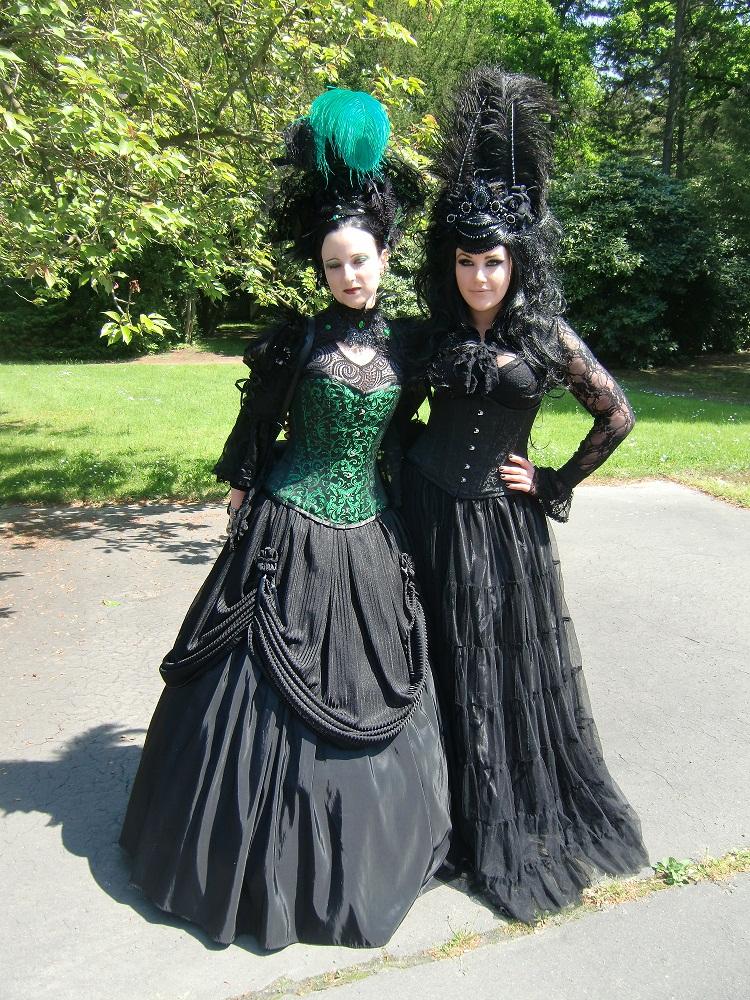 Wave Gothik Treffen - Königinnen der Dunkelheit