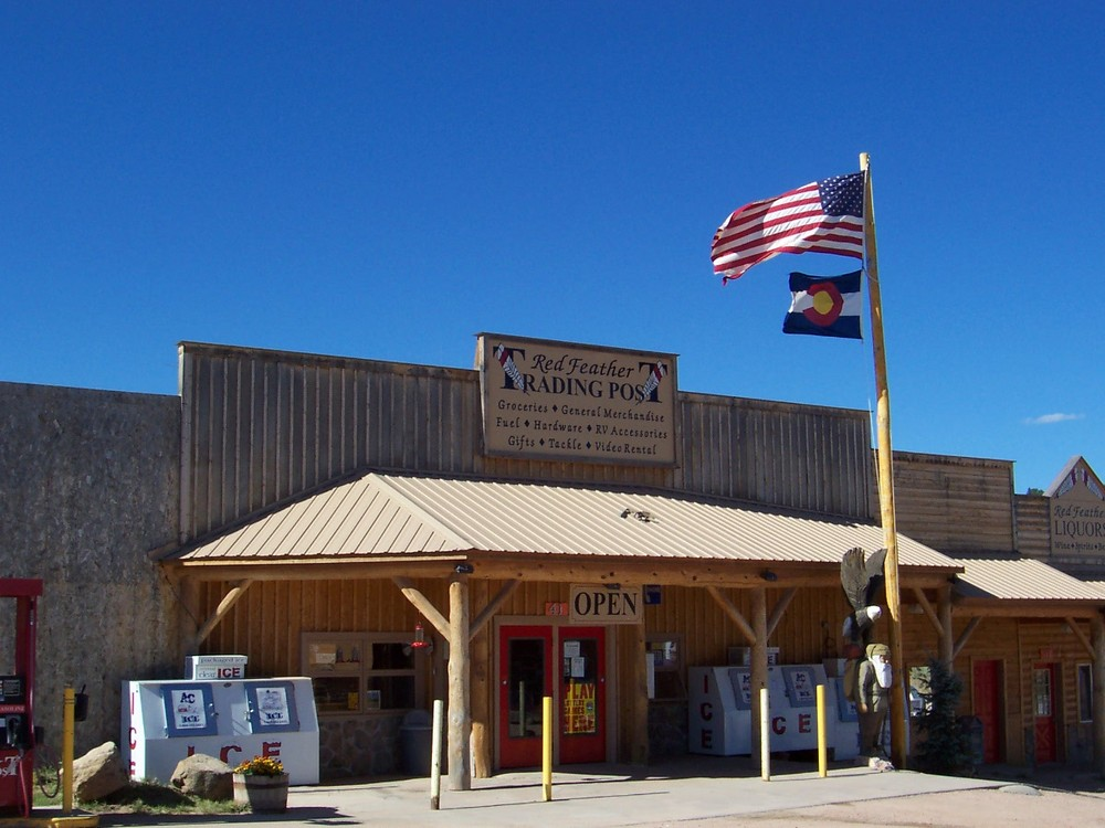 Wave that flag! Trading Post-Redfeather Lakes.Co.