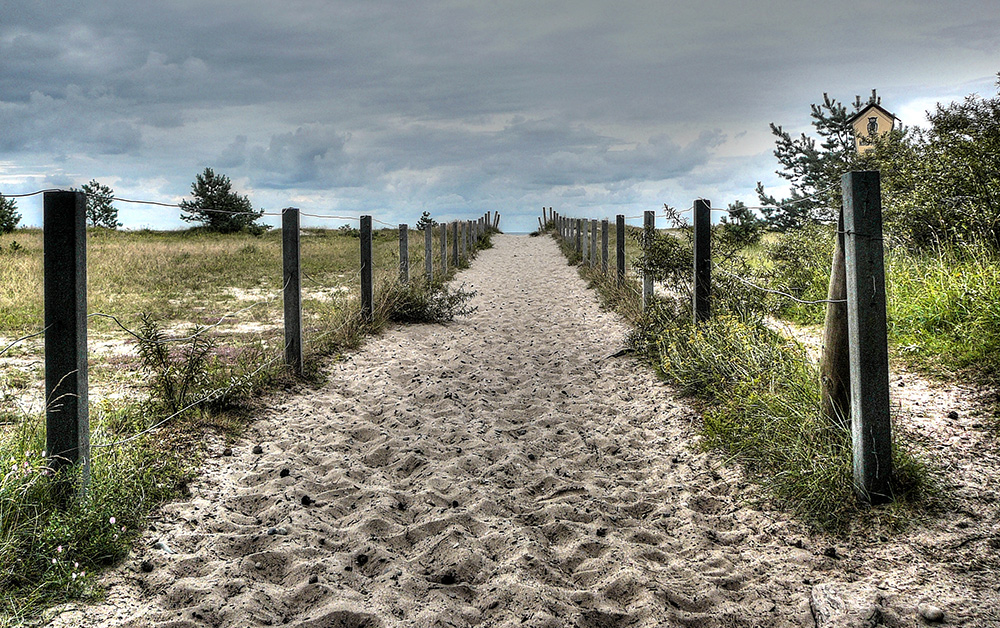 Way to the beach...