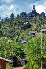 Way up to Wat Huai Pho