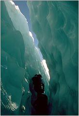 Weg durch die Gletscherspalte