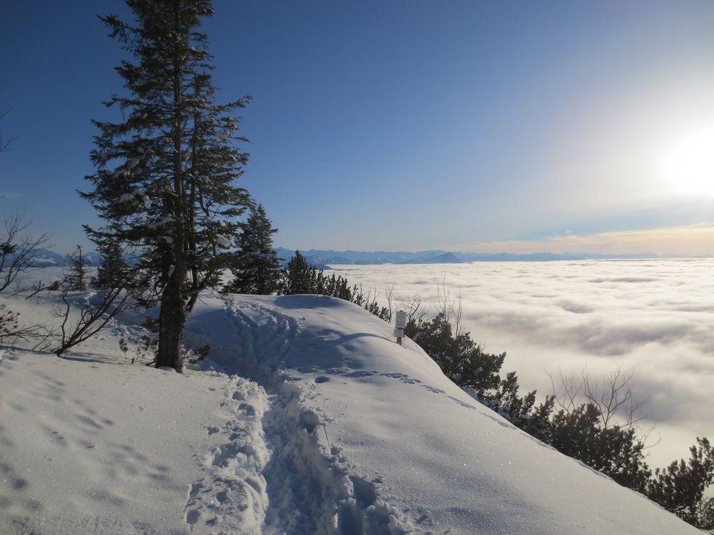 Weg über den Wolken