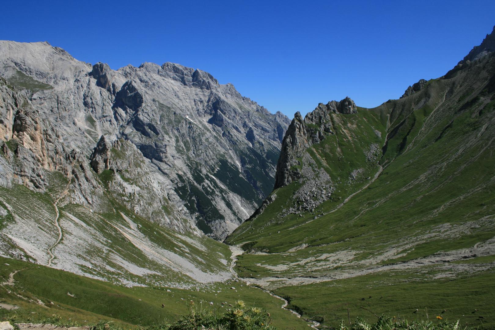 Weg zum Gatterl mit Höllentalspitze