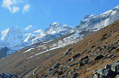 Weg zum Larke Pass in der Manaslu-Region