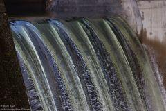 Wehr- und Laufwasserkraftwerk (2)...