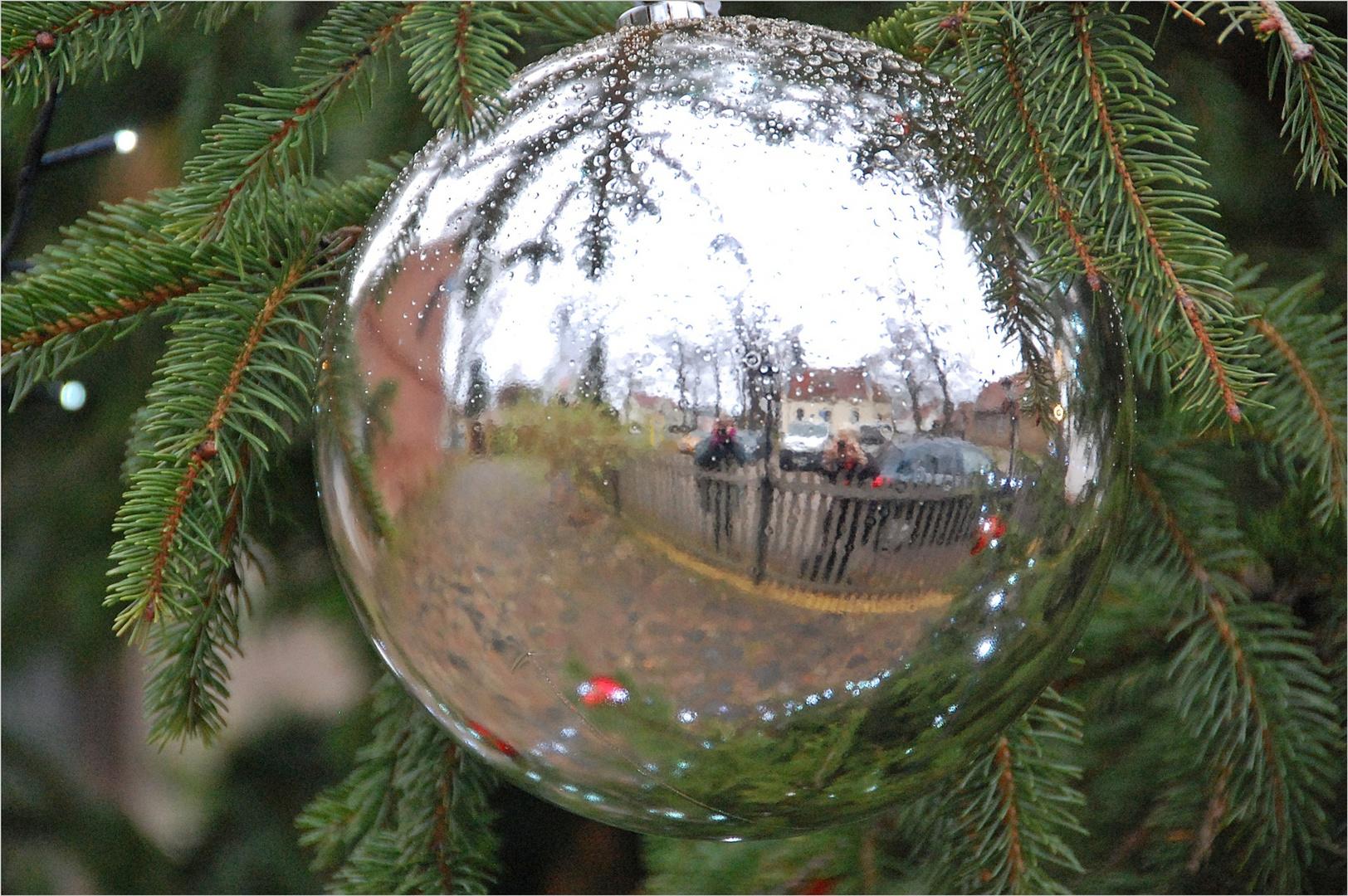 weihnachtlich, gespiegelt, Dienstag - Soll erfüllt
