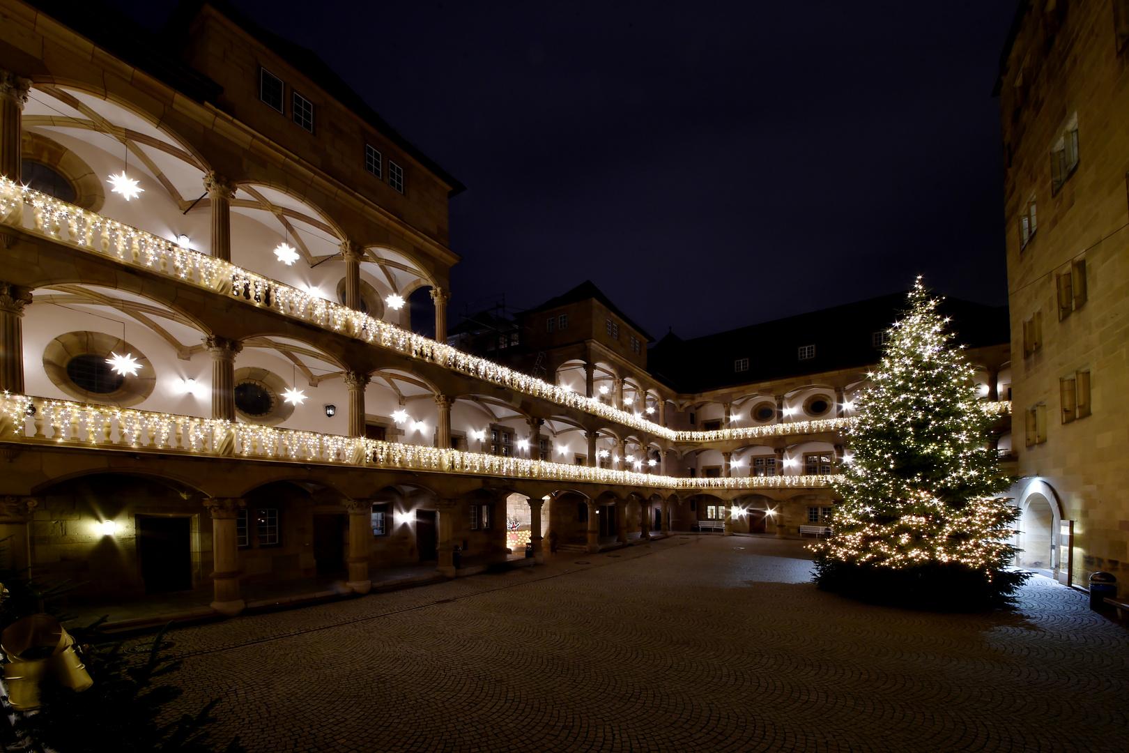 Weihnachtlicher Innenhof