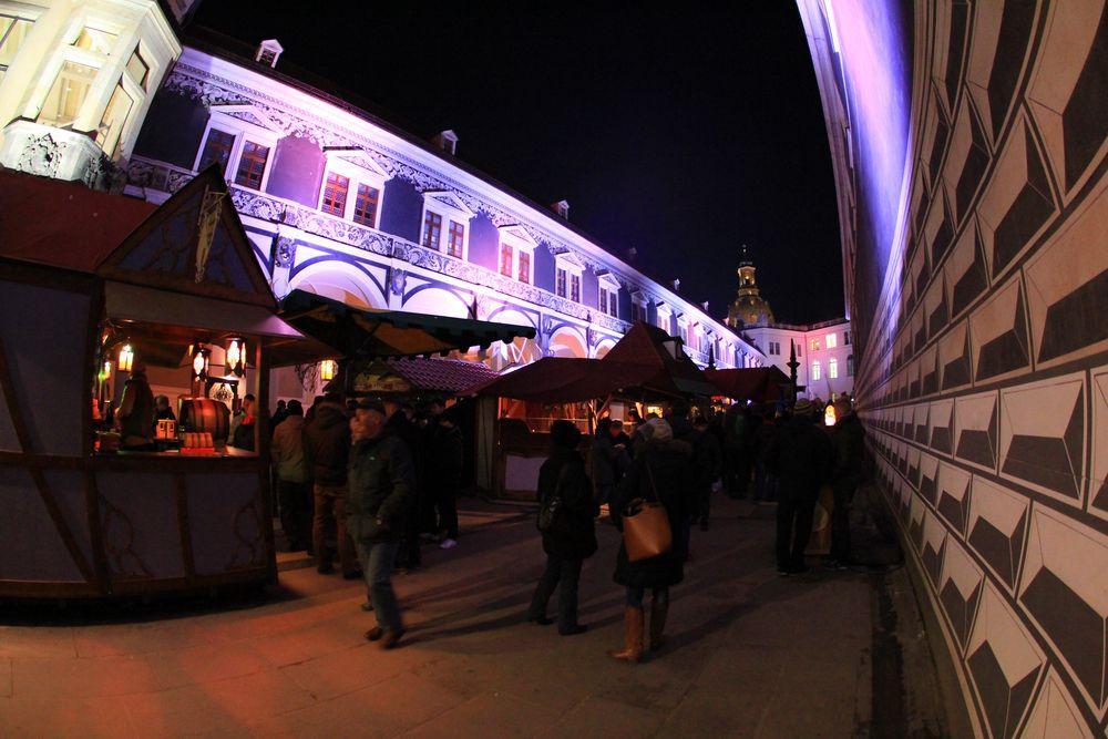 Weihnachtlicher Stallhof Dresden