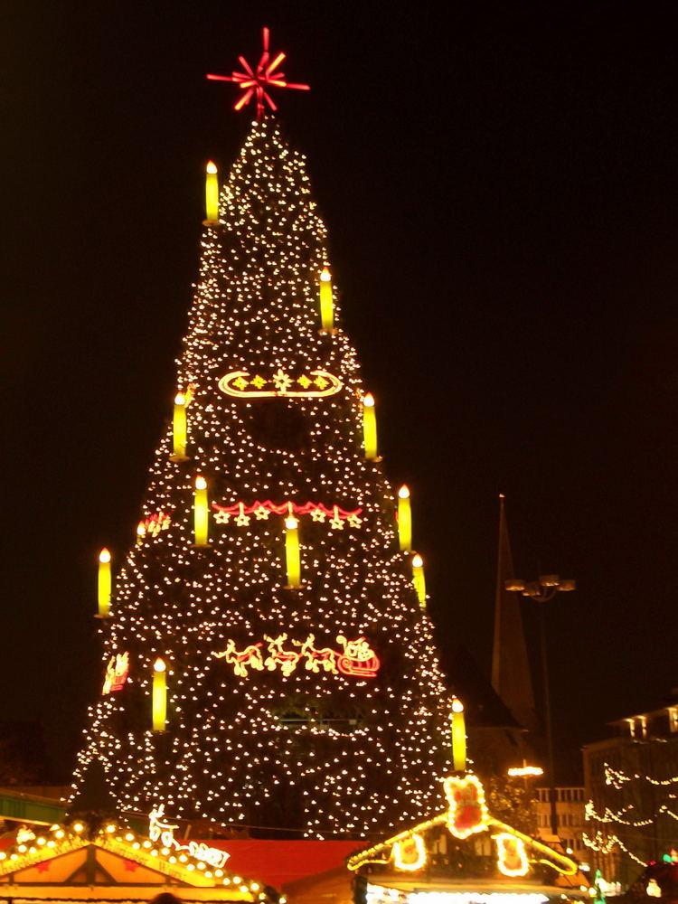 Dortmund Weihnachtsbaum.Weihnachtsbaum Dortmund Foto Bild Gratulation Und Feiertage