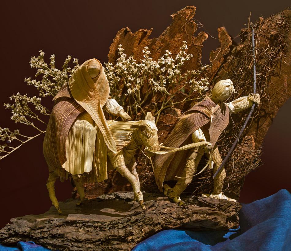 Weihnachtsgrüße mit Figuren aus einer Kukuruzkrippe!