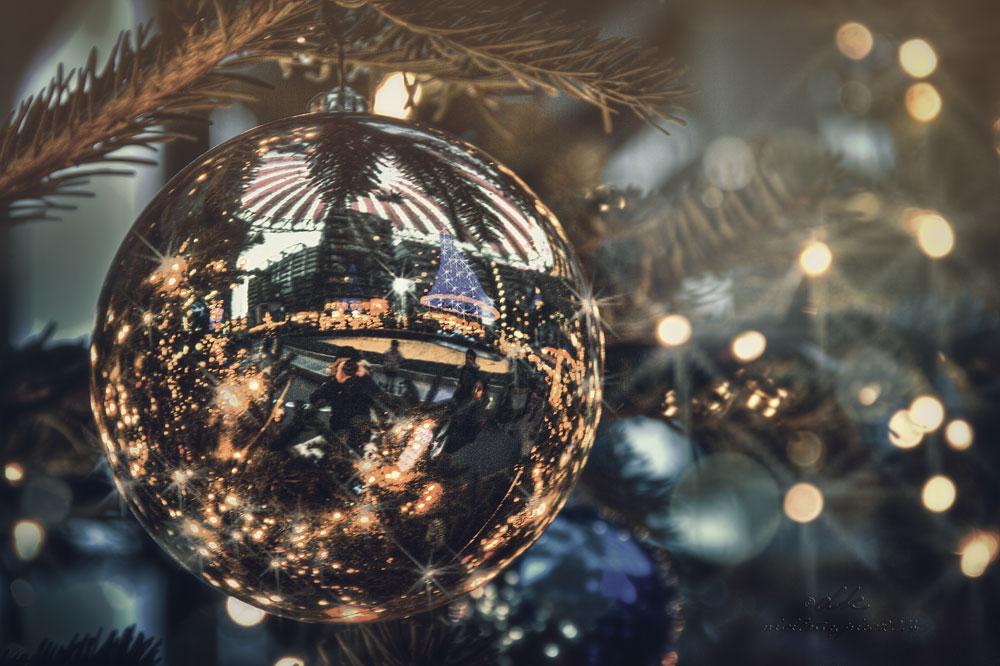 Weihnachtskugelselfie am Potsdamer Platz :)