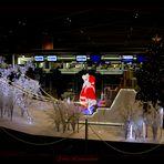 Weihnachtsmann beim Check-In