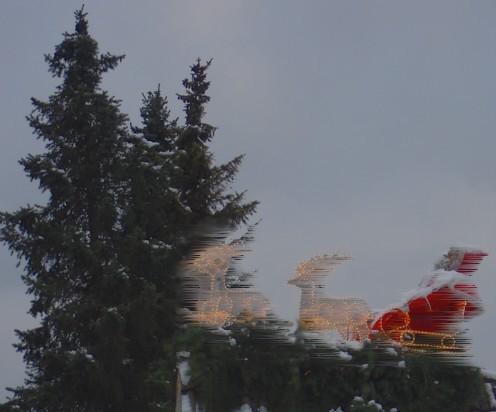 Weihnachtsmann vom Dach